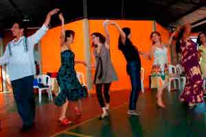 Dança circular sagrada (Dança pela paz)
